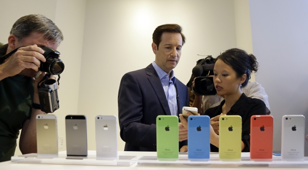 iPhone 5S And 5C Are Available At Contract Basis In India