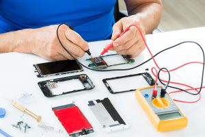 Hire Experience Mobile Phone Service To Clear Major Repair