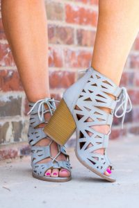 4 Types Of Must Have Footwear In Market