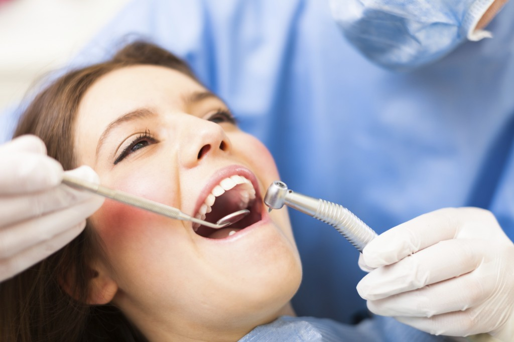 The Different Ways Dentists Help Avoid Varied Oral Problems