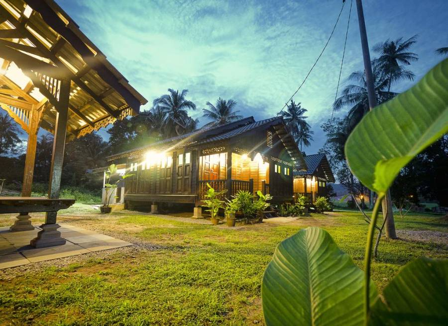 Kampung Arab Vacations with Your Family