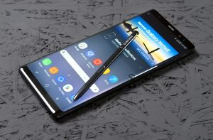 5 Best Smartphones With A Bezel-Less Display5
