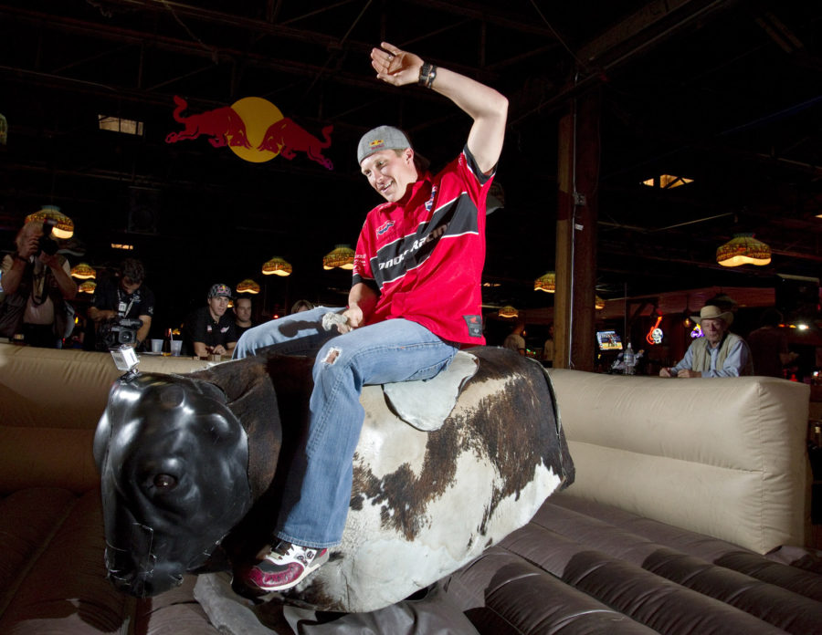 Mechanical Bull Riding Without Being Hurt In Any Manner