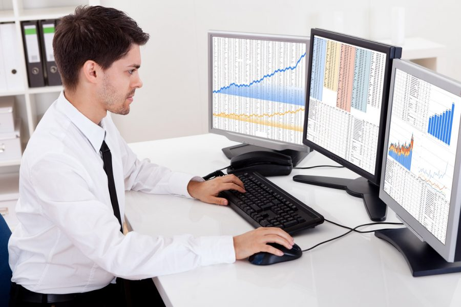 How To Hire Suitable Financial Analyst For Your Firm