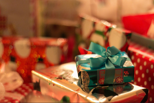 Cost-Cutting Guide: 15 Easy Ways To Buy Christmas Presents On A Budget