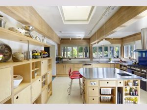 Achieve Spacious Kitchen Without Compromising On The Storage!