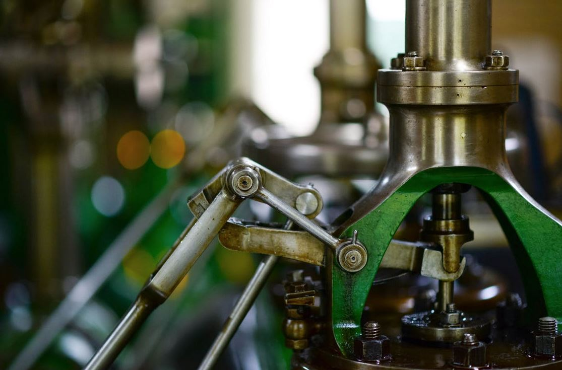 How To Manage Common Machinery Issues In The Workplace