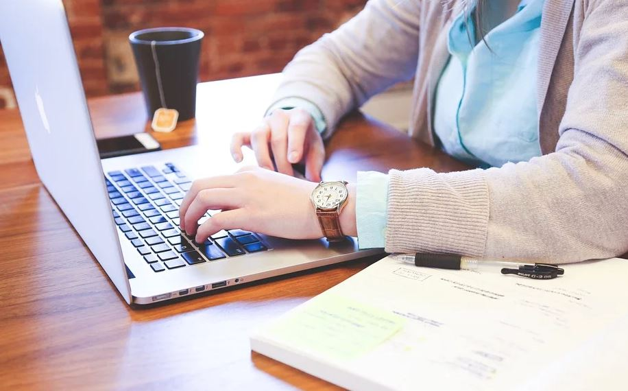 4 Digital Tools That Facilitate Employee Management