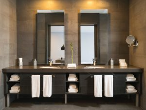 15 Intelligent Bathroom Storage Solutions to Declutter Your Space