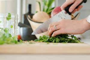4 Efficient Cooking Tips When You're On A Busy Schedule