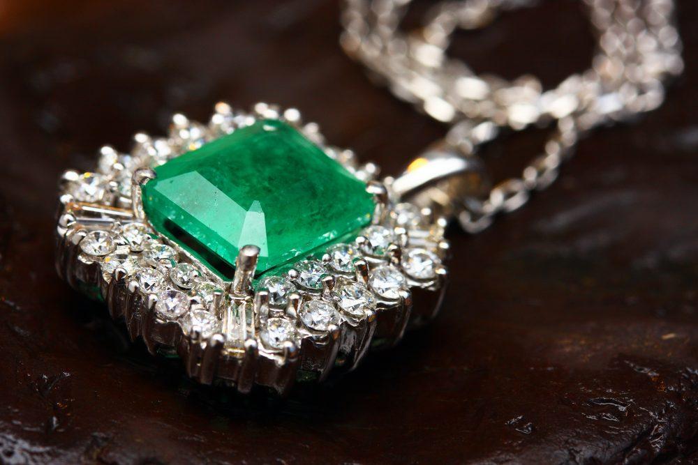 Popular Gemstones To Wear With Jewellery In 2021