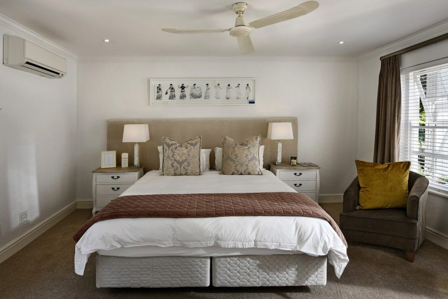 10 Awesome Ideas to Transform A Boring Bedroom